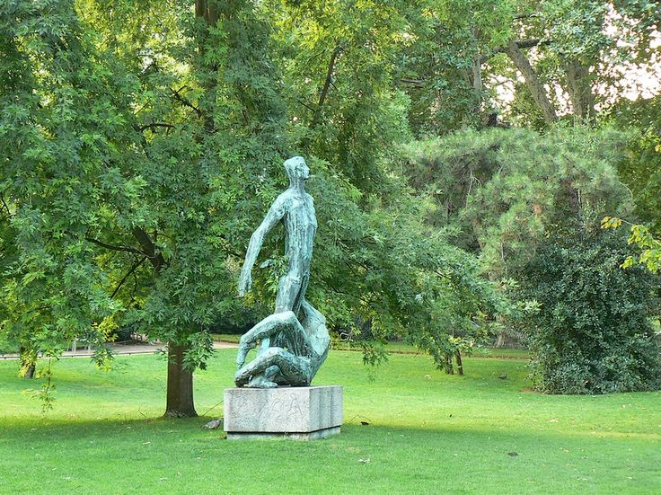 1000 images about jardin du luxembourg sculptures on pinterest article html george sand and. Black Bedroom Furniture Sets. Home Design Ideas