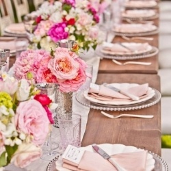 pretty in pink!: Pink Flower, Wedding Tables, Tables Sets, Idea, Plates, Color, Bridal Shower, Places Sets, Long Tables
