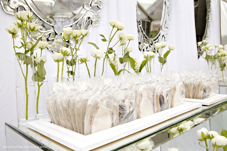white+white wedding and events  Kwintowki Photography  Polka Dot Cookies
