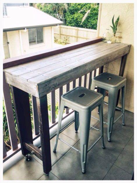 Pallet Dzine High Bar Table