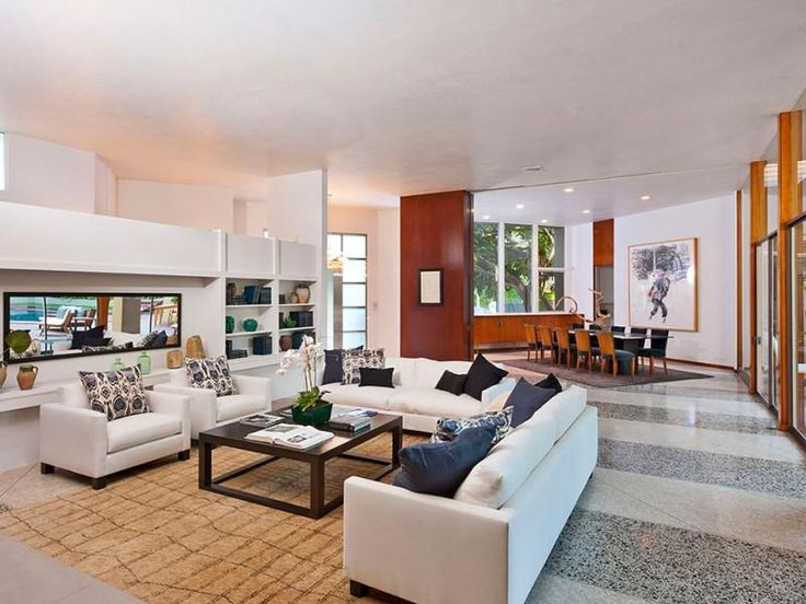 Living Room - A William Stephenson House in Beverly Hills