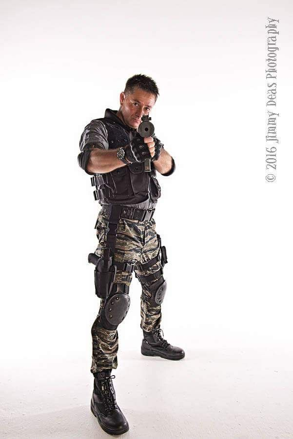 My Cosplay As Carlos Olivera From Resident Evil Apocalypse