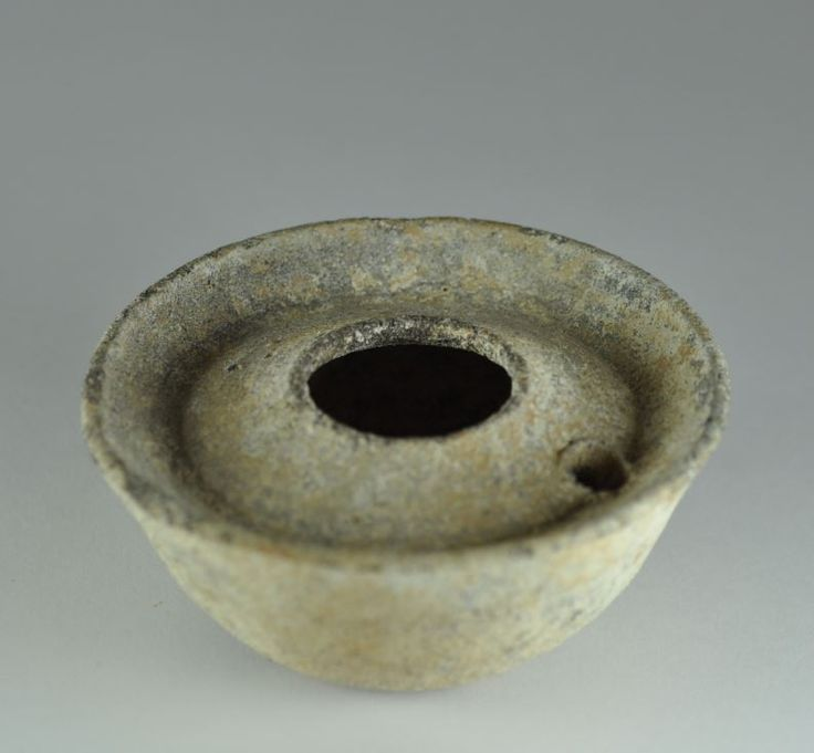 Jordanian oil lamp, 3rd-4th century A.D. 7 cm diamater. Private collection