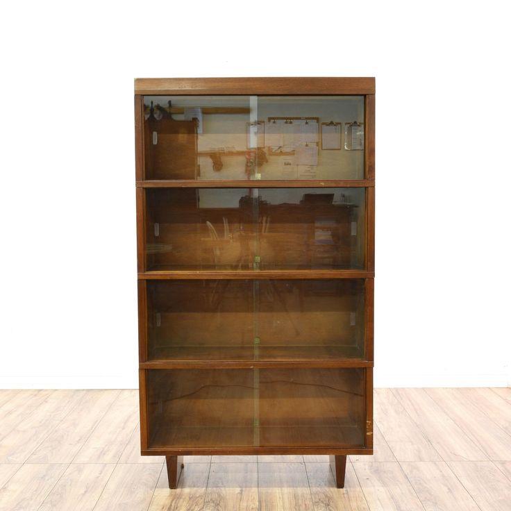 Best 25+ Modern display cabinets ideas on Pinterest ...