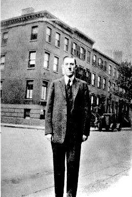 Lovecraft in Brooklyn in 1925.