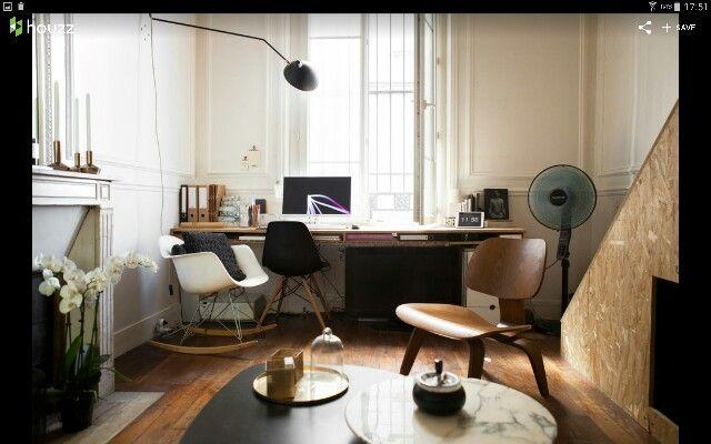 מנורת ק'ר עם זרוע לשולחן כתיבה.