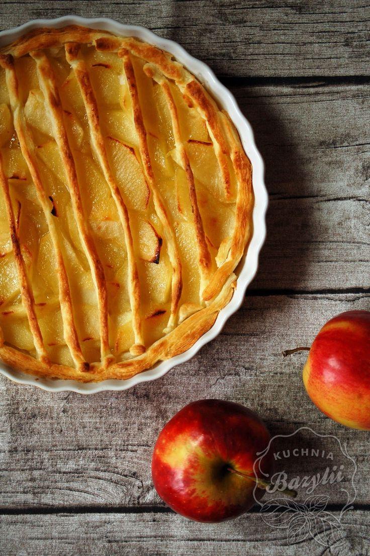 Kuchnia Bazylii: Tarta z jabłkami na cieście francuskim