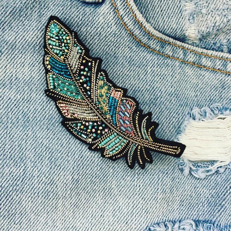 "1,893 Likes, 6 Comments - fashion embroidery (@matreshki.rf) on Instagram: ""@gold_embroidery_anna - Перо -символ доверия, полёта, лёгкости, любви к свободе, творчества и…"""