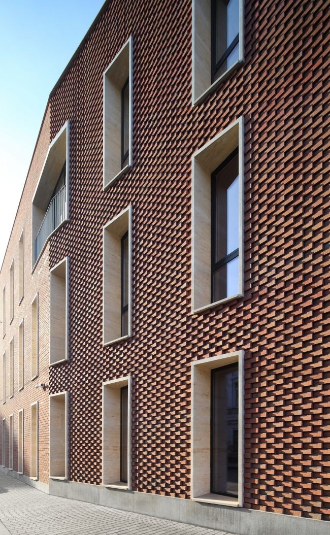 Best 25 brick facade ideas on pinterest for Brick facade house