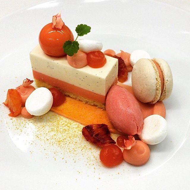 Vanilla mousse, blood orange and vanilla, merengue, macaron, Orange cremeux, jelly, sorbet, chocolate. By @karpendonksehoeve  #DessertMasters