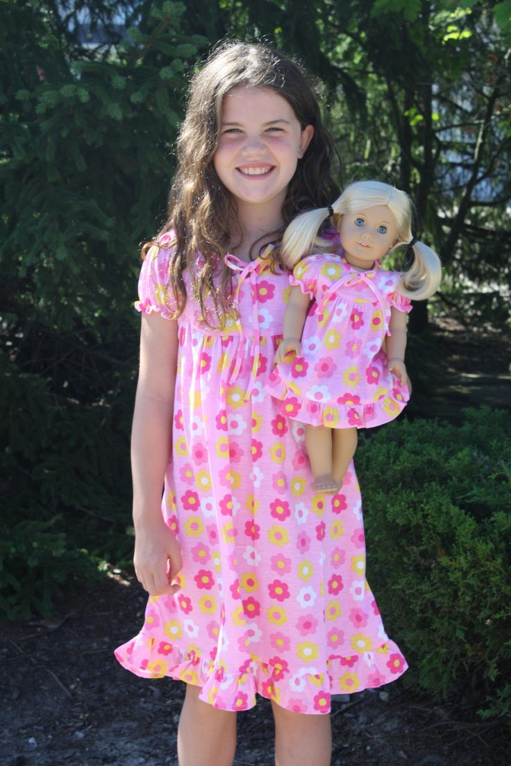 Short Sleeve Pink Flower Nightgown Matching For Girl And