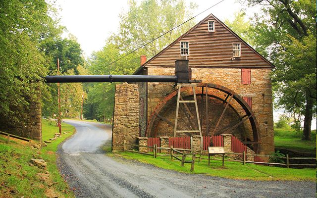 Rock Run Grist Mill, built in 1794 by John Stump, is in Maryland's Susquehanna State Park. Pat & Chuck Blackley, country-magazine.com