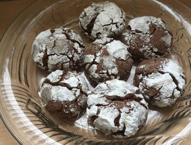 Chocolate Espresso Snowcaps #veganchristmascookies #vegancookies #veganrecipes #whatveganseat #holidaybaking #chrismascookies #chocolateespresso