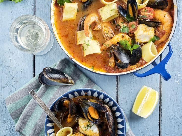 moules, praire, coque, amande, palourde, lotte, crevette, gambas, langoustine, calamar, seiche, huile d'olive, huile de tournesol, poivre...