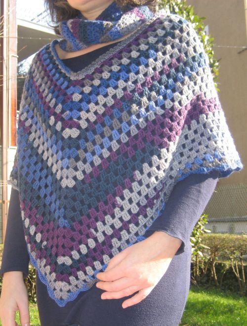 poncho e scaldacollo a crochet