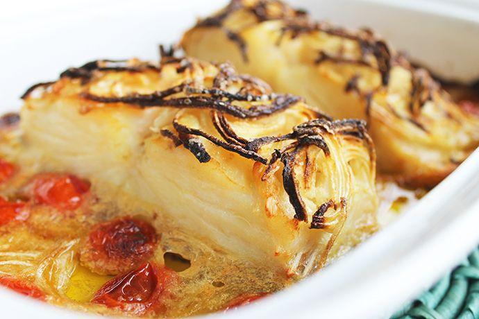 Bacalhau confitado com cebola caramelizada