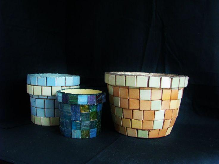 Jak wykonać doniczkę z ceramicznej mozaiki - Pomysły plastyczne dla każdego