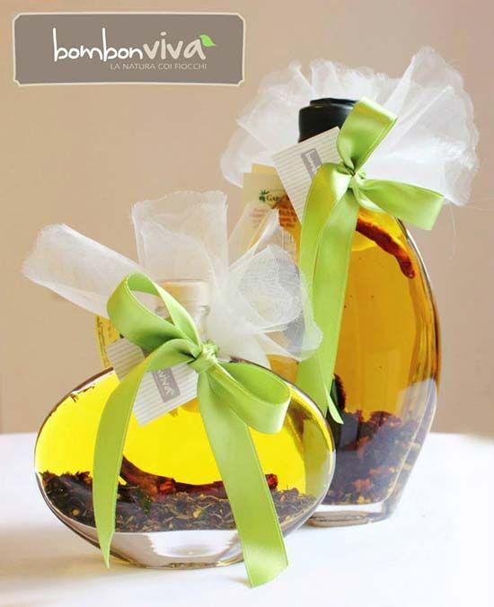 Bomboniera matrimonio olio speziato. Wedding favor olive oil. Vai sul blog per vedere tante altre bomboniere utili e originali! #misposoamodomio