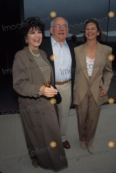 Ed Asner with Suzanne Pleshette and Stephanie Zimbalist 1995 Mtm 25th Anniversary 1995 K3004fb Supplied by Globe Photos, Inc.