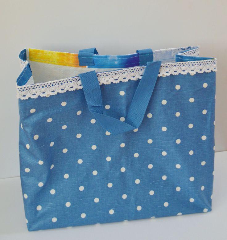 Forre um saco de supermercado reutilizável e crie um saco giro, cheio de personalidade!