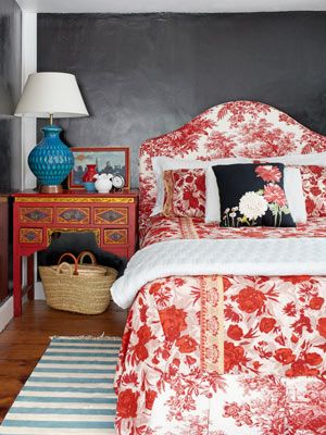 Let your decorating reflect your love of travel, pattern, and color.    #personalstyle #decorating