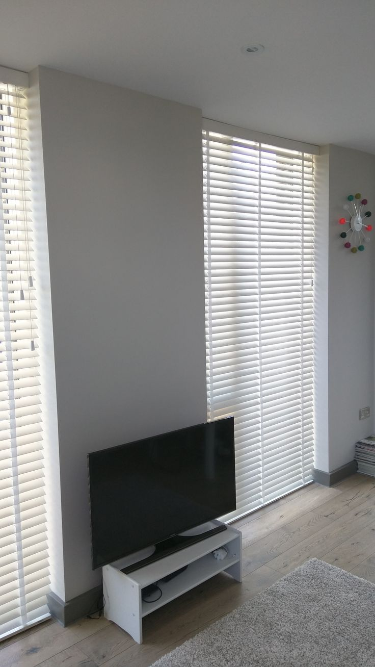 Chalk wood venetians floor to ceiling windows brockley for Best blinds for floor to ceiling windows