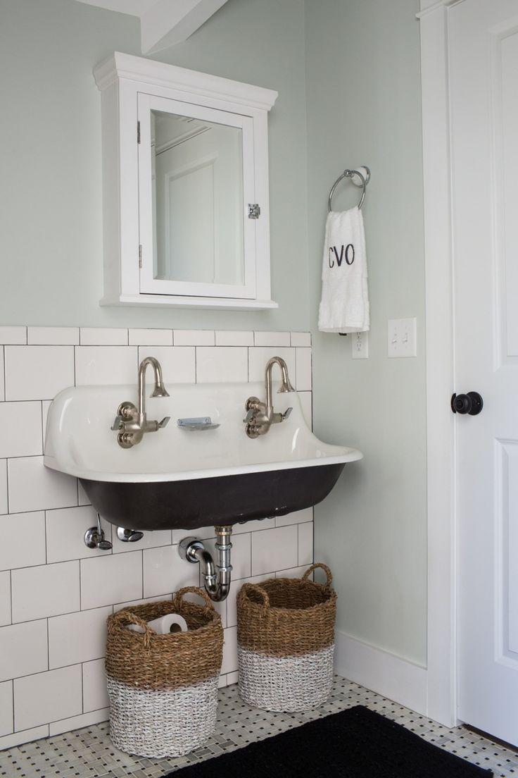 Old Sink In Future Bathroom