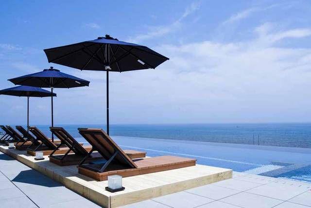 大磯プリンスホテル(所在地:神奈川県中郡大磯町国府本郷546、総支配人:伊丹 信一郎)は、客室棟の隣に「スパ棟」を新設し、2017年7月15日(土)にオープンいたします。「スパ棟」の1階にはホテルフロント、レストラン・バー「S.DINING(エス ダイニング)」を設置、3階・4階には湘南の海を一望できるロケーションを最大限に活かした温泉・スパ施設「THERMAL SPA S.WAVE(サーマル スパ エス ウェーブ)」を設置いたします。