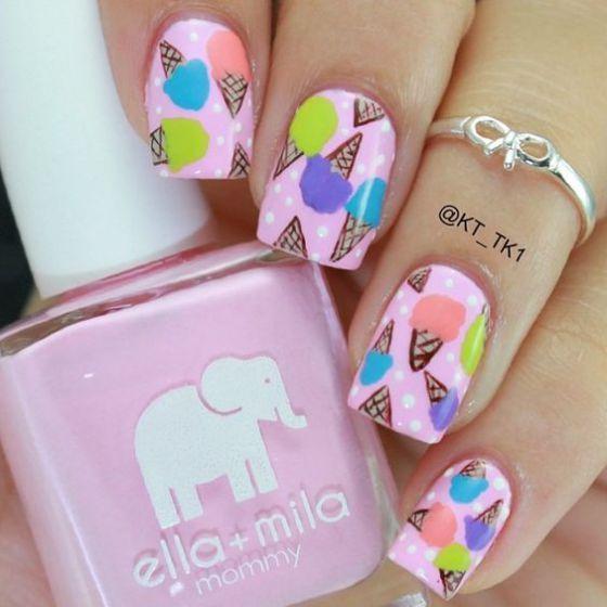 uñas decoradas con conos rosa