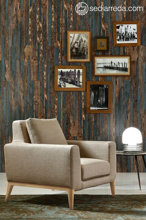 Vintage armchair with wooden feet - Ditre Italia