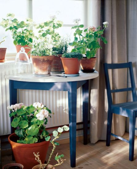 Half-circle sidetable from Swedish company Norrgavel.