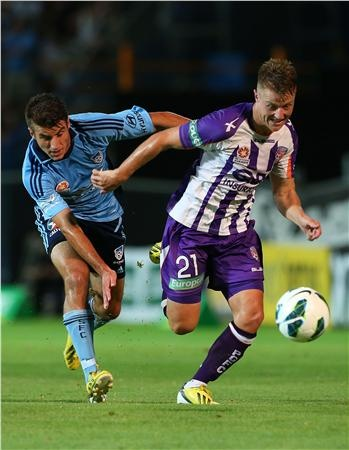 Sydney FC fall to Perth Glory 2-1 in Rd 23.