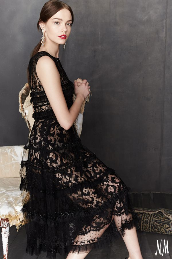 Enchant any evening when wearing this embroidered cocktail dress by Oscar de la Renta. Its chiffon and beaded lace details can be complemented with diamond drop earrings and ankle-strap heels.