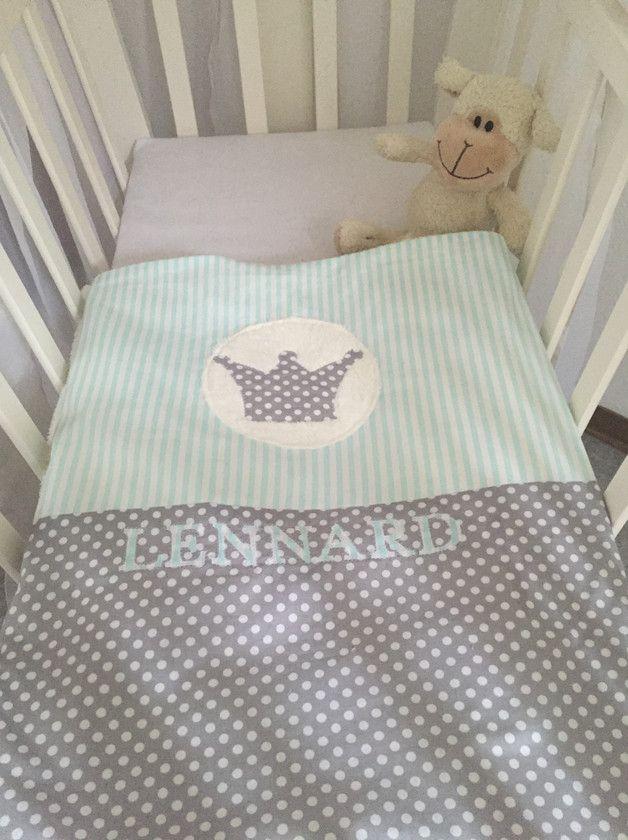 niedliche Babybettwäsche Die eine Seite besteht aus superweichem Teddykuschelstoff, so kann man den Bezug auch später als Kuscheldecke weiter nutzen Gerne kann ich auch den Namen des Kindes...