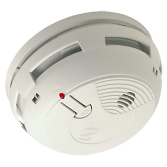 [CATALOGUE GÉNÉRAL 2015] Détecteur de fumée connecté: Alerte à distance et en local lors d'une détection de fumée Il sonne et alerte à distance pour intervenir rapidement en cas de détection de fumée. Alertes par email et SMS*. Alarme sonore intégrée 85 dB à 3 m. Équipement obligatoire à partir de mars 2015 (LOI n° 2010-238 du 9 mars 2010). RÉF. FO4003 http://www.exertisbanquemagnetique.fr/info-marque/myfox