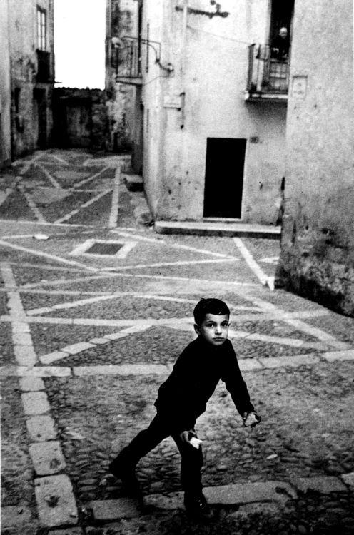 Enzo Sellerio: Cefalu, Italy, 1969   #TuscanyAgriturismoGiratola