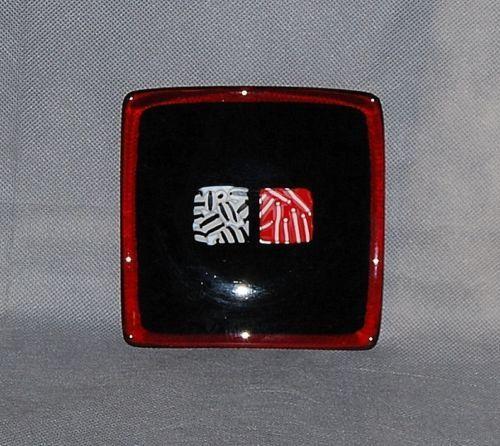 Contemporary-Red-Black-Mosaic-Tile-Slump-Fused-Glass-Small-Square-Plate
