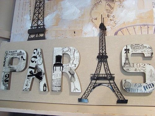 For Paris themed room, spell out childu0027s name and use tower to replace a  letter.