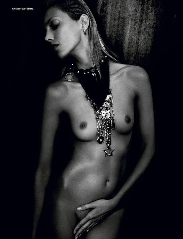 http://www.hotcelebshome.com/2014/06/29/anja-rubik-topless-in-id-magazine-summer-2014-nsfw/anja-rubik-1-8/