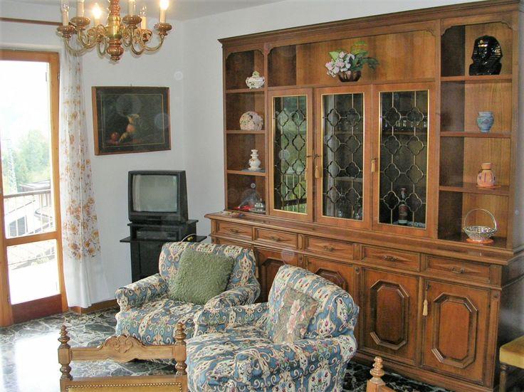Appartamento Rinella - Villa Sebina - Castione della Presolana - Bergamo -Lombardia - Val Seriana - Orobie Sala da Pranzo con Vista Panoramica e Divano Letto