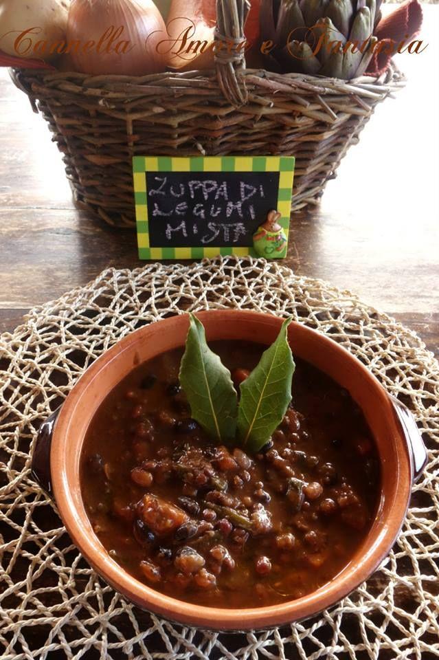 Zuppa di legumi misti e spinaci