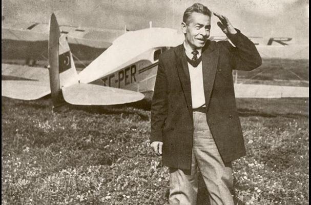 "Vecihi Hürkuş _İlk sivil uçak ""VECİHİ XIV"" ile  1930 _ Kadıköy"