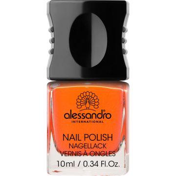Alessandro 17 Pumpkin. Nagellak voor kunst- en natuurlijke nagels.