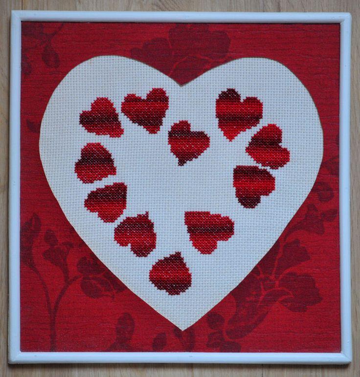 Cœur de cœurs rouges en dégradé.