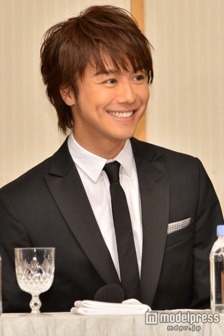 EXILE Takahiro - Just look at that smile, this cutie melts my heart...