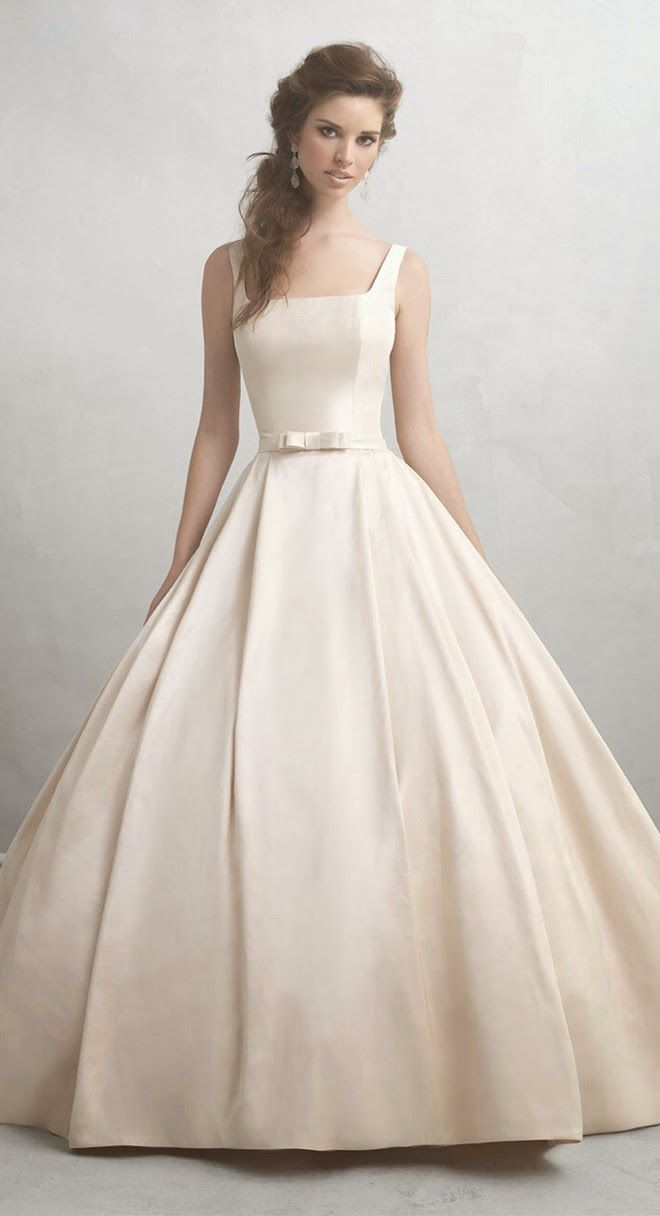http://enmodagelinlik.com/en-guzel-gelinlik-modelleri/ 2014 Yılının En Güzel Gelinlik Modelleri; #gelin #gelinlik #gelinlikmodelleri #beyaz #dantel #2014gelinlikmodelleri #moda #trend #favori #wedding #weddingdress #weddingdress2014 #bridal