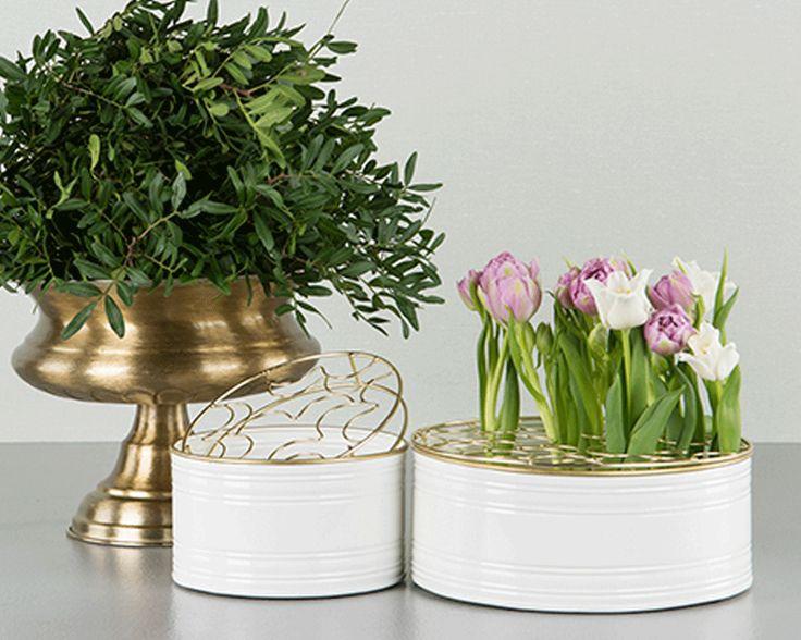 Emaljkruka Vit med blomstöd / guldgaller 2-set