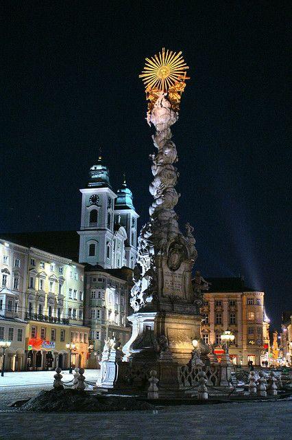 Linz - Hautplatz, Austria http://www.travelandtransitions.com/european-travel/european-travel-top-european-river-cruise-ideas-christmas-2014/