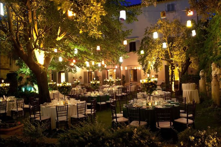 The. Setting. Absolutely perfect and dreamy... http://www.weddingsandweddings.com/wedding-in-tuscany/blog-wedding-in-castle-castagneto-carducci/