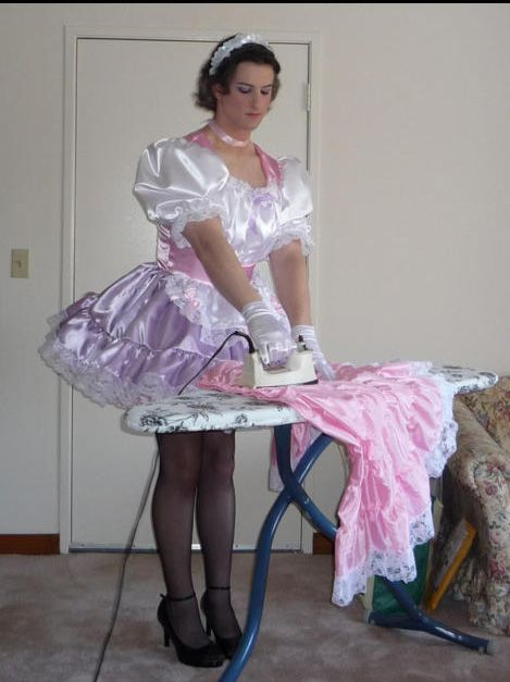 Perfect Male Maid , I'd do just about anything to be this for my gf  one day wife